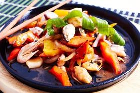 Морепродукты вок в устричном соусе - Фото