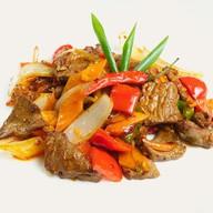 Пикантная говядина с овощами Фото