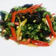 Салат с говядиной и древесными грибами Фото