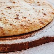 Осетинский пирог с творогом и вишней Фото