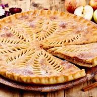 Осетинский пирог с яблоком и ежевикой Фото