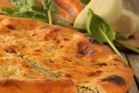 Осетинский пирог с рыбой и зеленым луком - Фото
