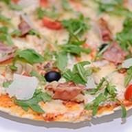 Курица-бекон пицца Фото