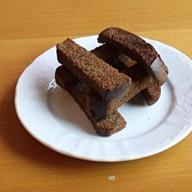 Гренки чесночные из бородинского хлеба Фото