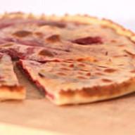 Пирог с вишней и сыром Фото