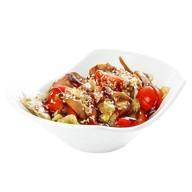 Теплый салат с курицей терияки Фото