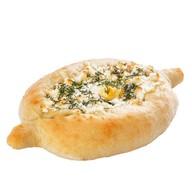 Хачапури с сыром и яйцом Фото