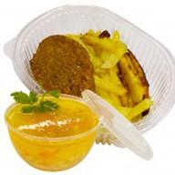 Картофель с куриной котлетой+суп дня Фото