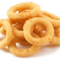Луковые кольца с соусом Фото