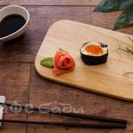 Суши сливочная икура Фото