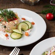 Салат с рыбой Фото