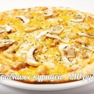 Пицца Грибная с курицей Фото