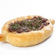 Хачапури с говядиной и сыром Фото
