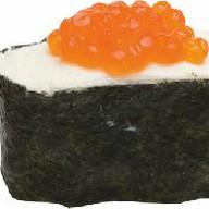 Суши с икрой и сыром Фото