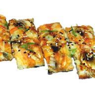 Суши-пицца Маки с лососем Фото