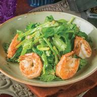 Зеленый салат с креветками Фото