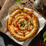 Пирог с мясом и шпинатом Фото