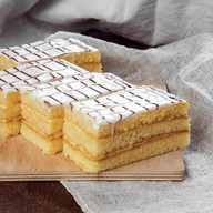 Сметанное пироженое Фото