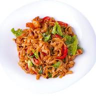 Тайский салат из рисовой лапши Фото