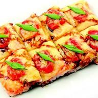 Суши-пицца из морепродуктов Фото