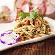 Салат из кальмара с грибами под соусом Фото