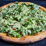 Цезарь пицца с курицей Фото