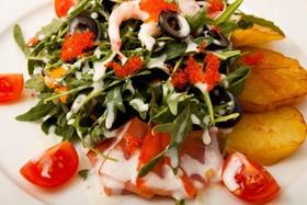 Салат с морепродуктами - Фото
