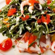 Салат с морепродуктами Фото