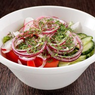 Свежие овощи с маслом Фото