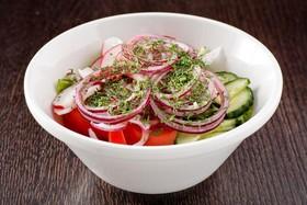 Свежие овощи с маслом - Фото