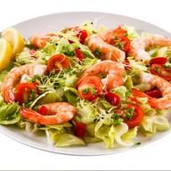 Салат с креветками от шеф-повара Фото