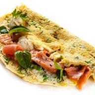 Омлет с сыром и лососем Фото