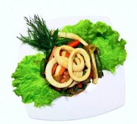 Кальмары обжаренные с овощами - Фото