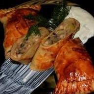Штрудель с курицей и грибами Фото