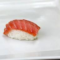 Сяке суши с лососем Фото