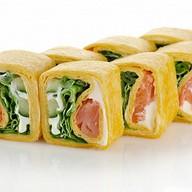 Тортилья с лососем и овощами Фото