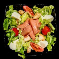 Цезарь салат с сёмгой Фото