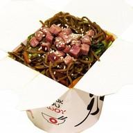 Гречневая лапша с говядиной и овощами Фото