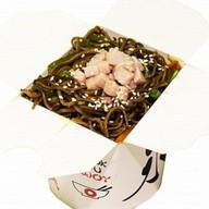 Гречневая лапша со свининой и овощами Фото