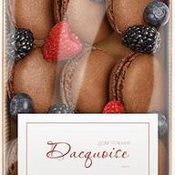 Шоколадный макарон Фото