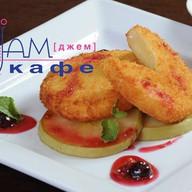 Жареный сыр Камамбер Фото