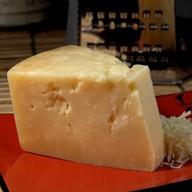 Сыр пармезан Фото
