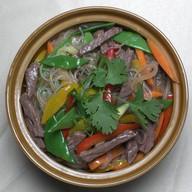 Лапша рисовая с говядиной Фото