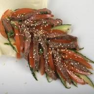Салат с говядиной и овощами Фото