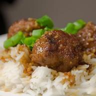 Говядина/свинина с рисом с соусом карри Фото
