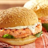 Фрисбургер с лососем Фото