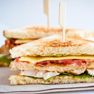Сэндвич с салями Фото