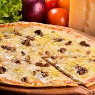 Пицца Кватро Формаджио Фото