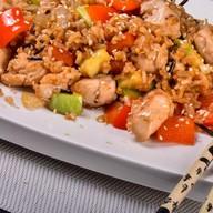 Дикий рис с курицей и овощами Фото