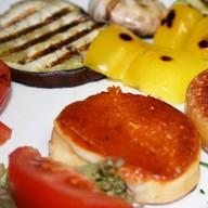 Скаморца на гриле с овощами Фото